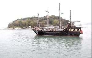 barco-pirata-ilha-do-francês