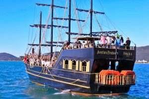 barco-pirata-traseira