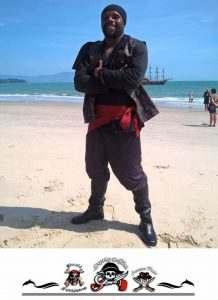 pirata-na-praia