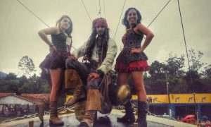 tres-piratas-canhao